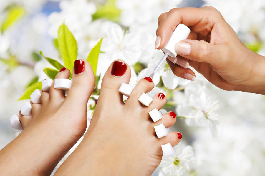 8 Steps for Giving Yourself a Great Pedicure
