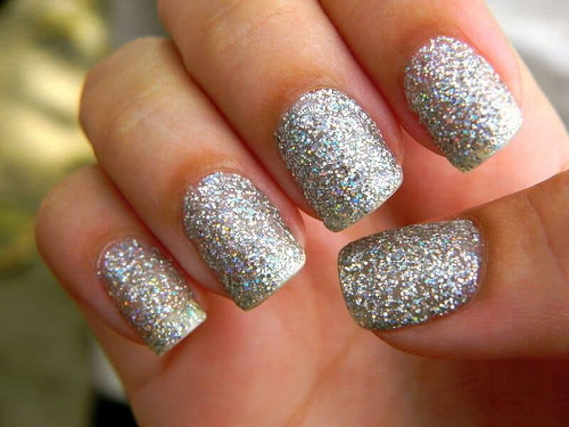 Glamour and elegance of glitter nails indian beauty tips diy glitter nail designs1 solutioingenieria Image collections